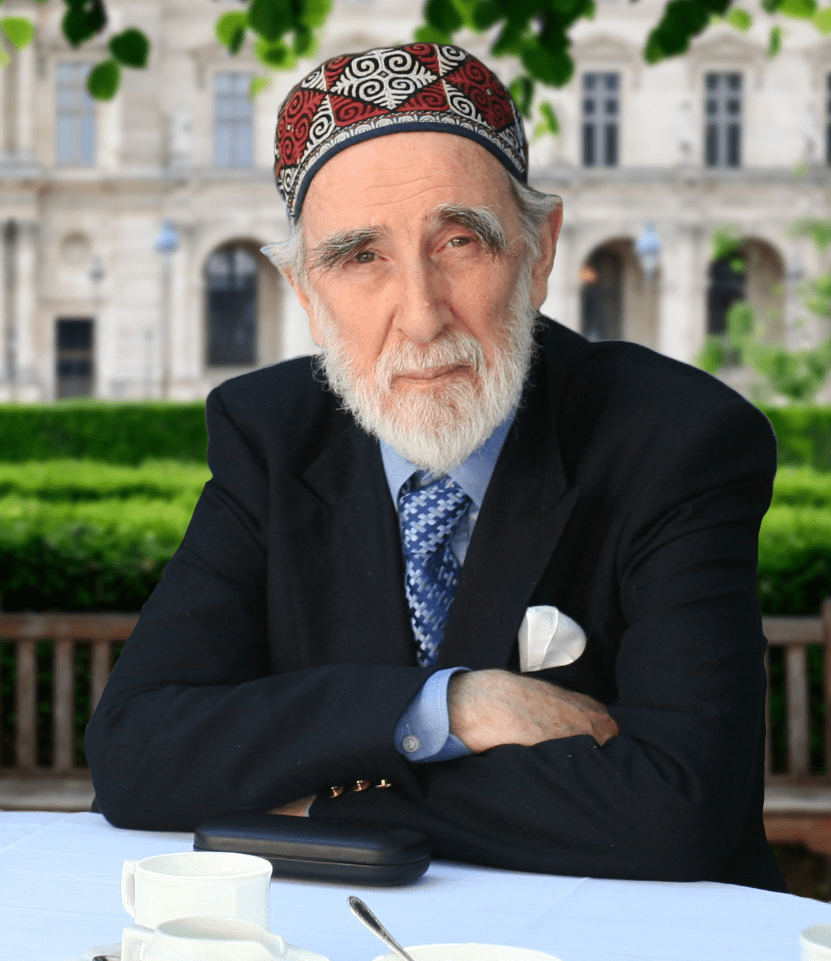 shaykh-abdalqadir-at-table-min